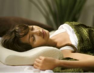 """英女子得了""""睡美人症"""" 每天清醒两小时"""