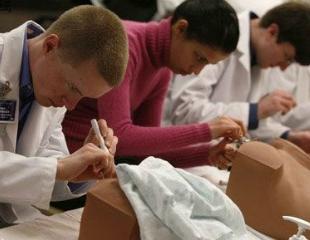 实拍妇科实习全程:女人越漂亮越容易得妇科病?
