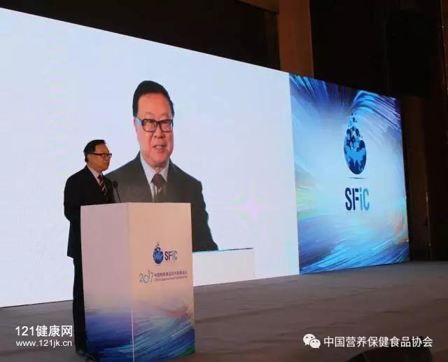 中国营养保健食品协会会长 边振甲